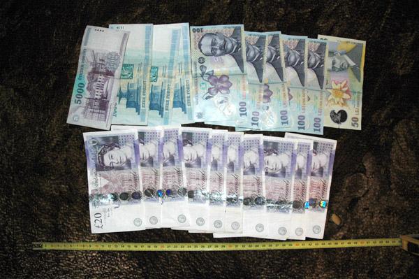 Rețea de hoți de bani de pe carduri prinsă la Satu Mare