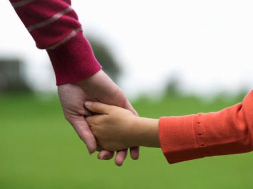 Un tată din Medieşu Aurit a decis să renunţe de bunăvoie la proprii copii