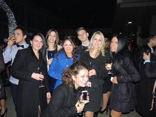 Cum și-au petrecut revelionul prietenii noștrii de pe Facebook (fotoreportaj)