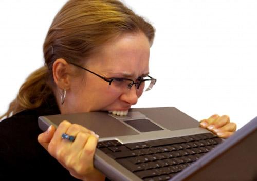 9 simptome induse de stres