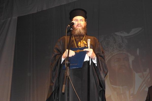 """P.S. Iustin Sigheteanul a fost desemnat """"Omul Anului 2012"""" la Gala Laureaţilor(galerie foto)"""