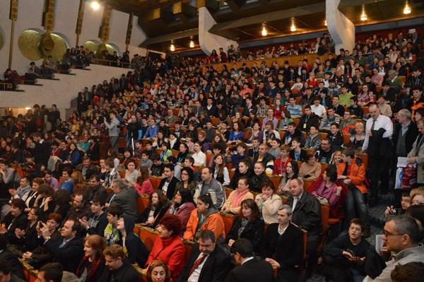 Casa de Cultură a Sindicatelor a găzduit deschiderea festivă a Olimpiadei Naţionale de Fizică