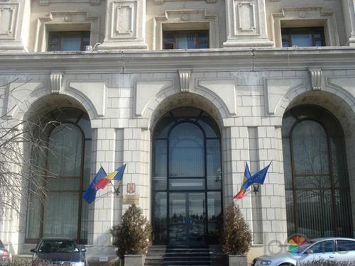 Transelectrica şi Transgaz trec în administrarea Ministerului Finanţelor