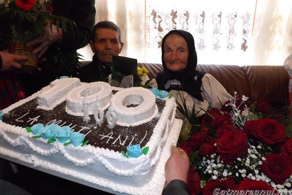 Sărbătorită la împlinirea vârstei de 100 de ani (galerie foto)