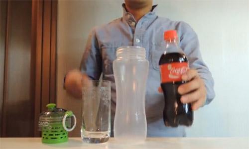 Cum faci apă din Coca Cola