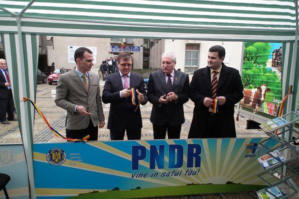 """Campania """"PNDR vine şi în satul tău"""" a fost lansată şi în judeţul Satu Mare"""