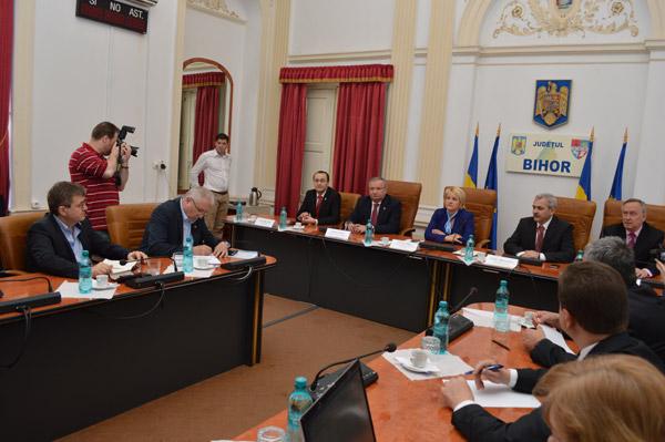 Eugeniu Avram și Mircea Govor au participat la Oradea la o dezbatere pe tema Codului Silvic