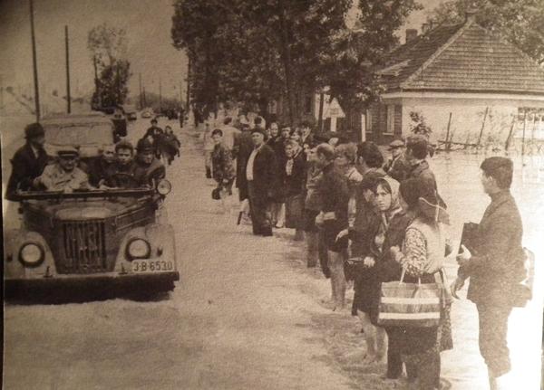 File de istorie: 16 mai 1970 – Ceauşescu vizitează Sătmarul inundat