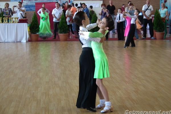 """Concursul Naţional de dans sportiv """"Cupa Sătmarului"""", la a III-a ediţie"""