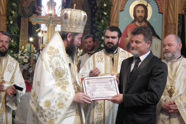 """Mircea Leţiu a primit diploma """"Crucea Voievodală Maramureşeană"""""""