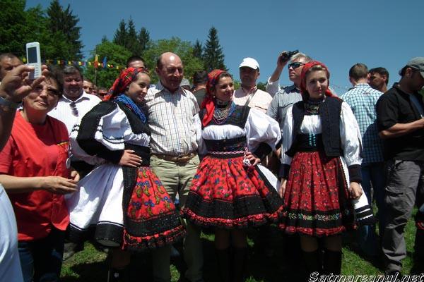 Traian Băsescu a efectuat o vizită surpriză la Sâmbra Oilor(galerie foto)