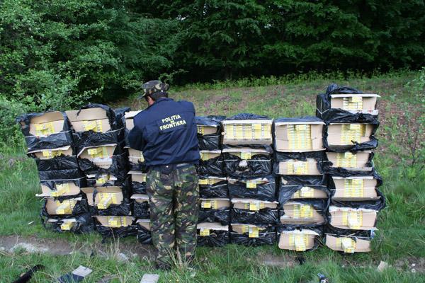 Ţigări de contrabandă în valoare de peste 150.000 lei, descoperite de poliţiştii de frontieră din Negreşti