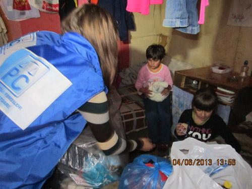Femeile conservatoare au donat alimente pentru 17 copii nevoiași