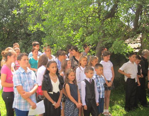 A fost sfinţit şi inaugurat Centrul multifuncţional din Livada Mică
