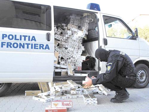 Peste 19.000 pachete de ţigări confiscate în luna iunie