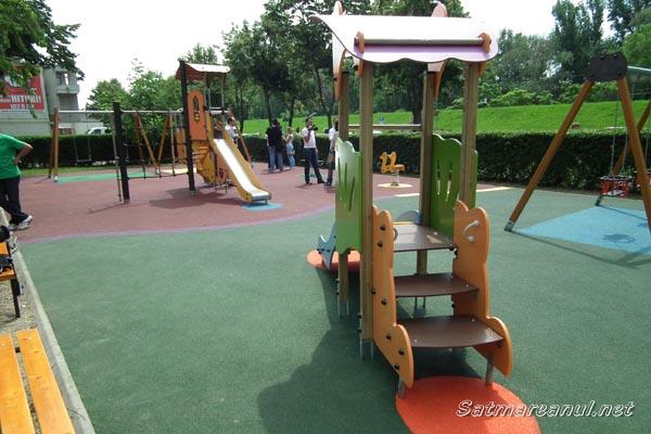 Parc de joacă pentru copii, în centrul Sătmarului (galerie foto)