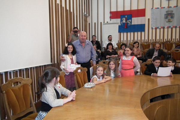Dorel Coica a premiat pianiştii de la Palatul Copiilor Satu Mare
