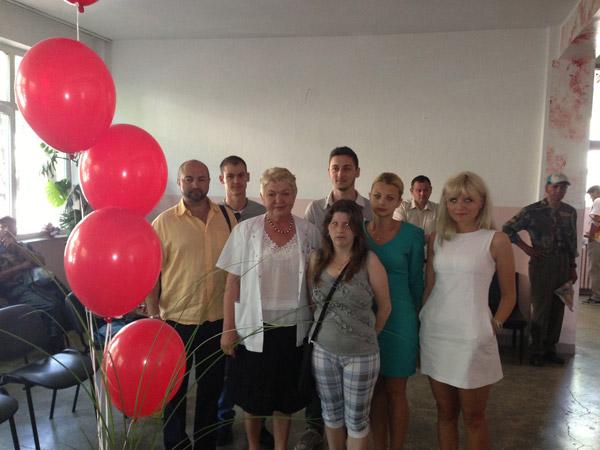 Tinerii social-democraţi sătmăreni au oferit pachete donatorilor de sânge