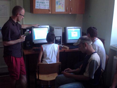Calculatoare şi internet pentru copiii străzii