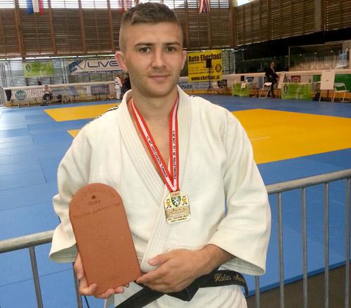Medalie de aur pentru Marian Halas la Turneul internaţional de judo din Austria
