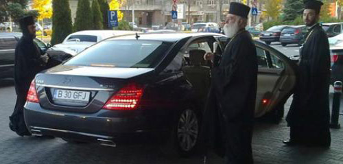 Patriarhia a introdus slujba pentru sfințirea mașinii