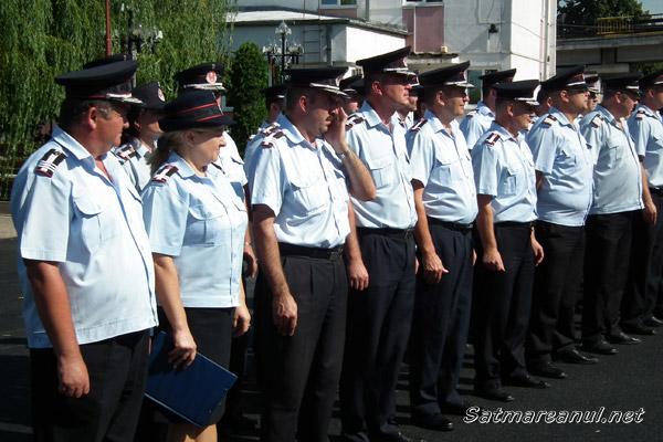 39 de pompieri au fost înaintaţi în grad