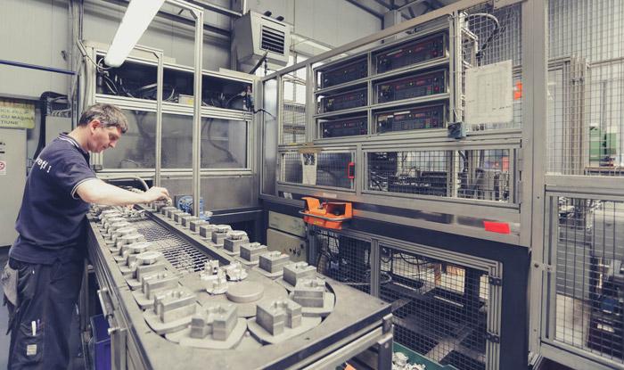 SOMIPRESS angajează operator presă şi mecanic întreţinere