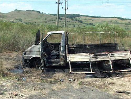DUBLU ASASINAT: Un pastor penticostal şi fiul său de 9 ani uciși și apoi incendiați