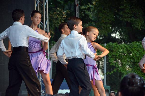 """""""August Fest"""" a continuat în paşi de dans"""