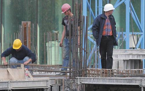 Nereguli în domeniul construcţiilor, constatate de inspectorii de muncă