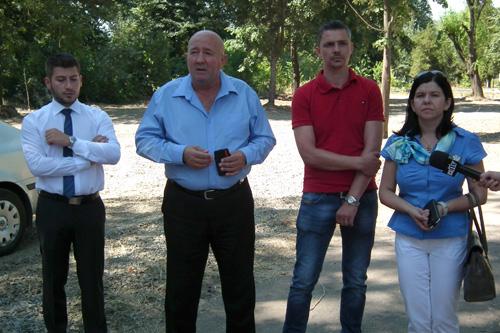 Primarul îi cere lui Ţânţaş să amenajeze o parcare mai mare la ştrand