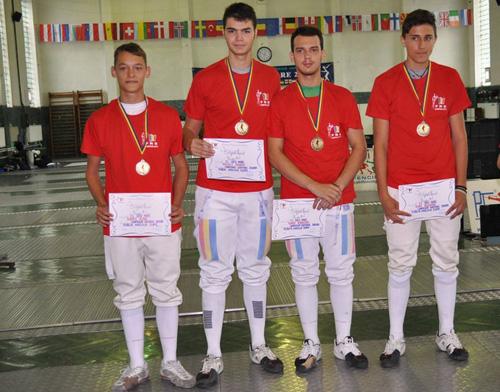 Medalie de aur pentru juniorii floretişti de la CS Satu Mare