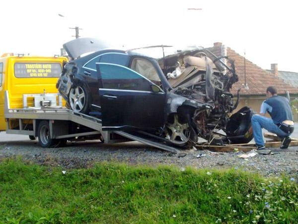 Trei tineri morţi într-un accident în Botiz (galerie foto)