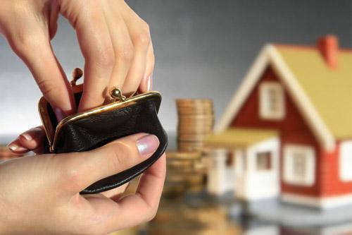Sătmărenii care nu îşi asigură locuinţele sunt buni de plată