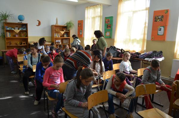 """Asociaţia """"Stea"""" la Ziua Porţilor Deschise de la Şcoala din Mădăras"""