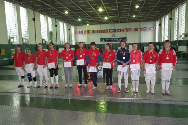 CS Satu Mare 1 a câştigat medalia de argint la proba pe echipe la spadă feminin
