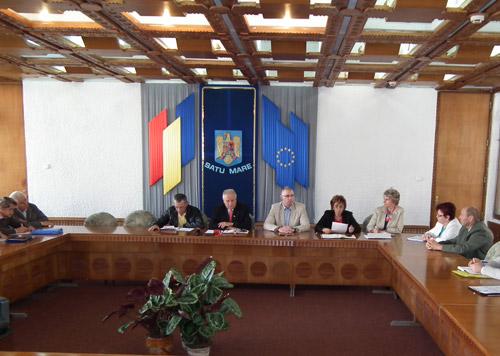 """A-nnebunit lupu. Mircea Marian cere înfiinţarea """"Patrulelor de pensionari"""""""