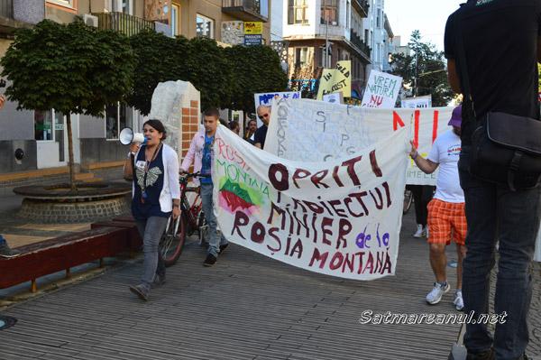 Protestele pentru salvarea Roşiei Montane continuă şi la Satu Mare