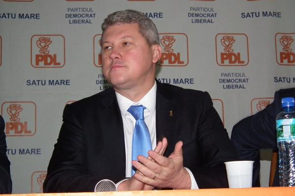 Democrat-liberalii sătmăreni merg pe mâna lui Predoiu la prezidenţiale