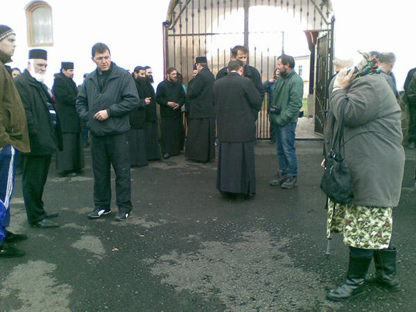 Începe executarea silită a Mănăstirii Bixad