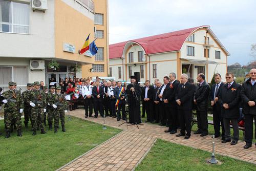 Victor Ponta şi Liviu Dragnea, cetăţeni de onoare ai comunei Racşa
