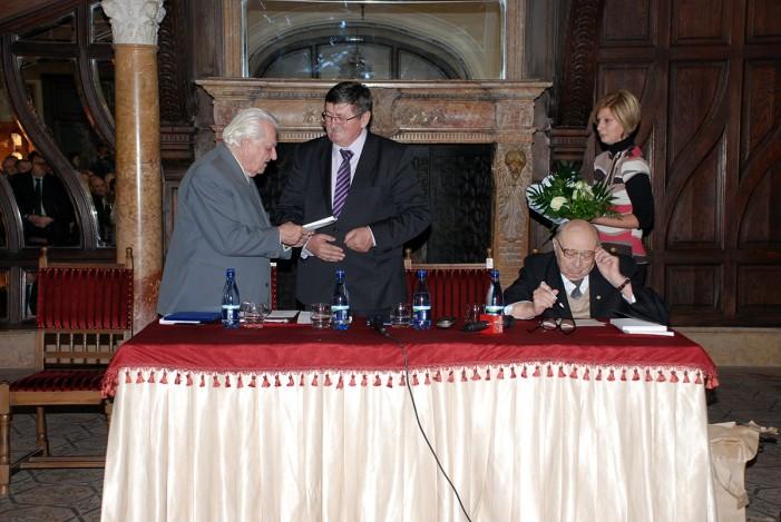 """Specialist în vinuri, distins cu titlul de """"Cetăţean de onoare"""" al municipiului Carei"""