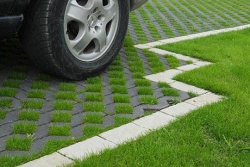 Încep lucrările de amenajare a parcării ecologice de pe B-dul Cloşca