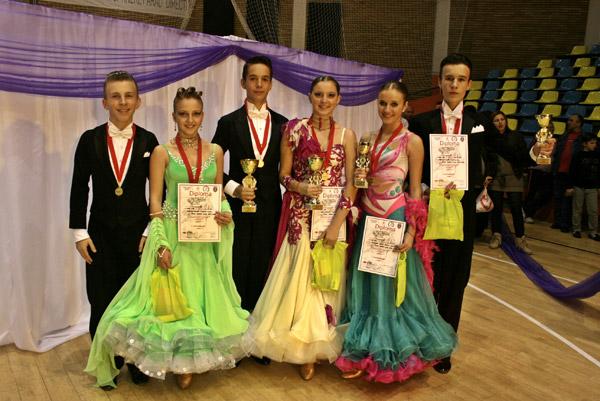 """Şase medalii pentru dansatorii de la """"Royal Dance Club"""""""