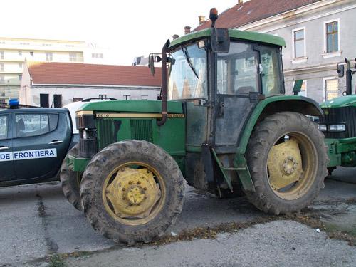 Tractor furat din Italia, descoperit la Ardud
