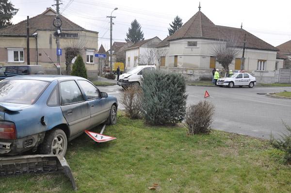 Accident soldat cu pagube materiale în Piaţa Titulescu