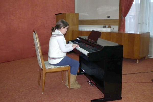 Spectacol de Crăciun susţinut de pianiştii de la Palatul Copiilor Satu Mare