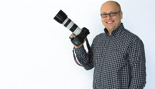 Vrei sa înveți cum sa folosești corect un aparat foto? Înscrie-te la cursurile artistului fotograf Dan Bâle