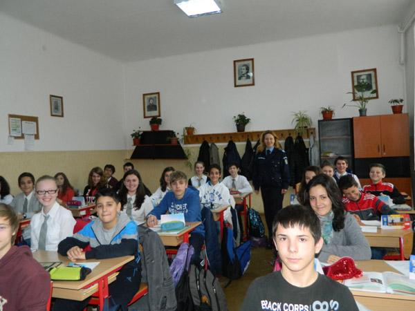 """Campania """"Jandarmeria pe înţelesul tuturor !"""", continuă în şcolile din judeţul Satu Mare"""