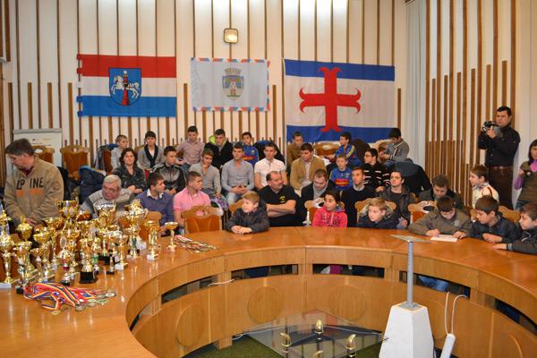 Primarul Dorel Coica a premiat azi 45 de sportivi sătmăreni